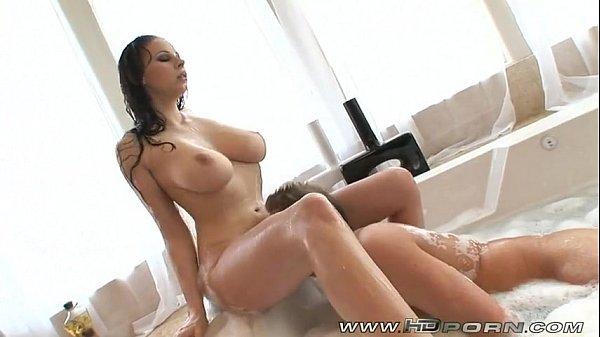 Gianna Michaels hot shower HD